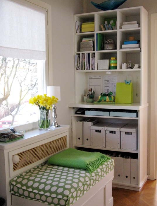 small office nook - beautifully organized productive space and clutter free!